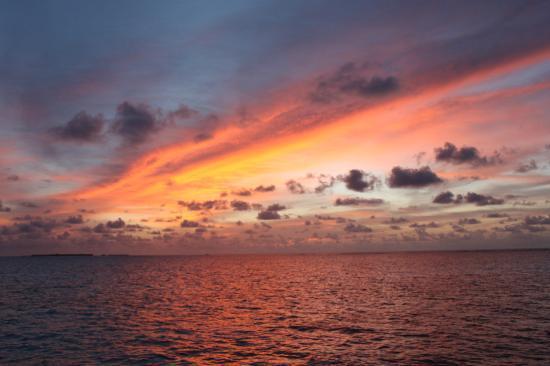 Mirihi Island Resort: Sunset