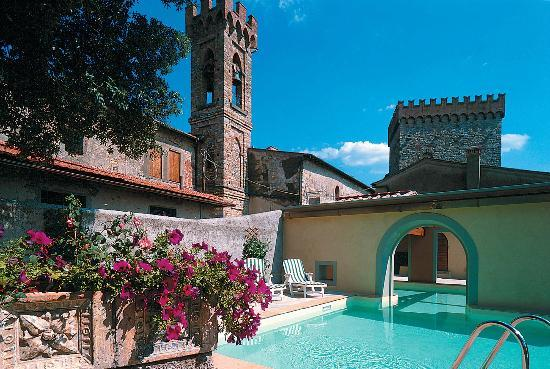 Castello di Volognano: SWIMMING POOL