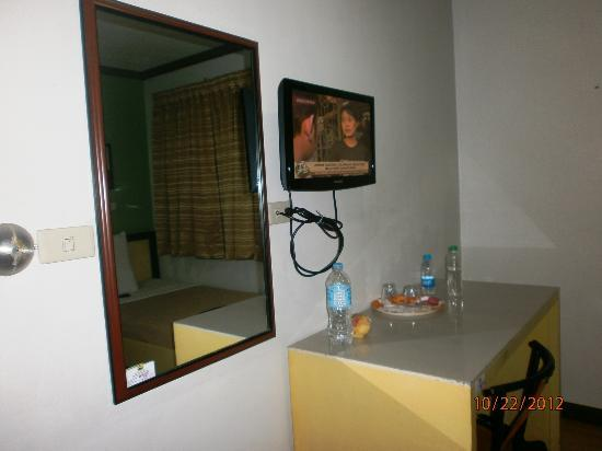 Riverside Inn: rooms are with flatscreen tv