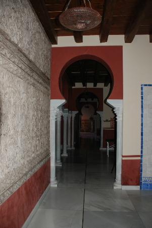 Banos Arabes de Cordoba: Hallway to other areas of the spa