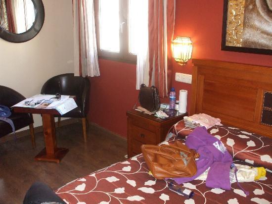 Hostal / Pension Rodri: camera matrimoniale, con bagno