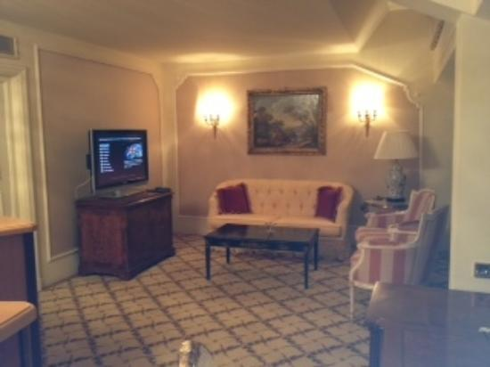 Hotel Imperial Vienna: Upstairs alcove - Maisonnete Suite