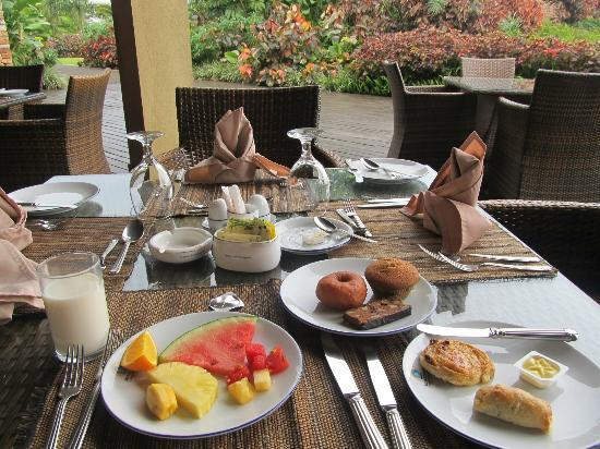 Munyonyo Commonwealth Resort: breakfast