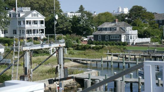 Harborside Inn: Chappaquiddick Ferry dock