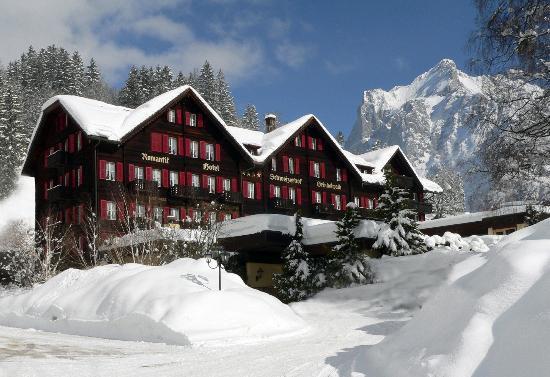 Romantik Hotel Schweizerhof: Hotel im Winter