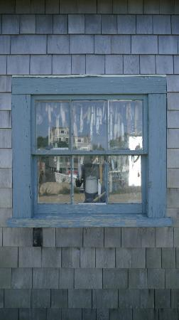 Harborside Inn: Fishing hut in Menemsha