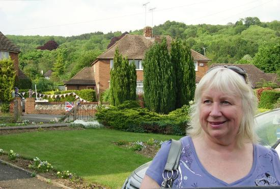 Upthedowns B&B: View of the hills from front garden