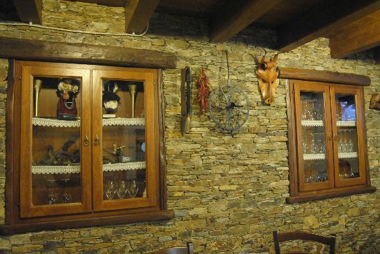 L 39 arredamento della sala con la tipicit dell 39 artigianato for Arredamento sardegna