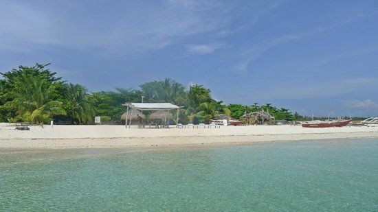 AABANA Beach & Watersport Resort: Beachfront