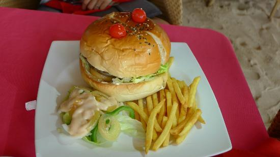 Malapascua Exotic Bar & Restaurant: The BIG Burger