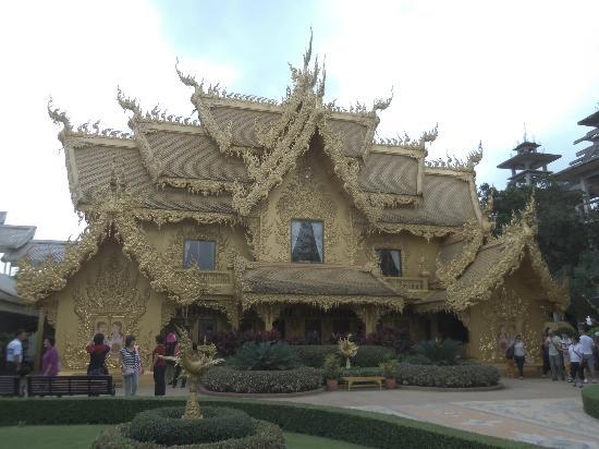 Wat Rong Khun Nicest Bathroom In The World
