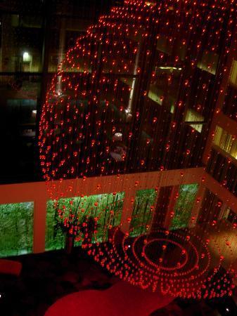 Fletcher Hotel-Restaurant Leidschendam-Den Haag: lounge by night