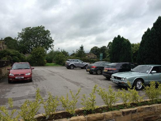 Masons Arms Gargarve: large private car park