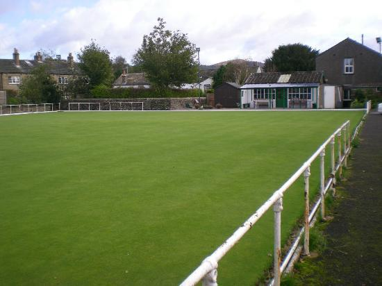 Masons Arms Gargarve: crown green bowls on site