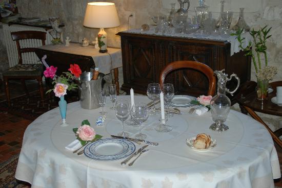 Les Camelias: Table d'hôtes