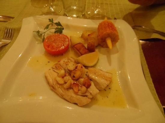 Bodeguita El Andaluz: My yummy fish!