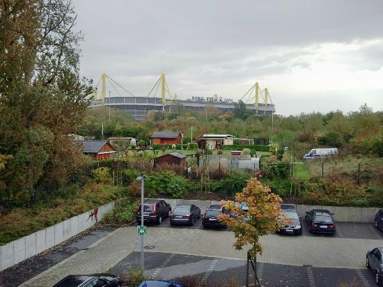 B&B Hotel Dortmund-Messe: Parkplatz und Entfernung zur Signal-Iduna-Arena