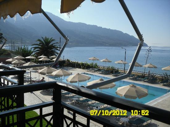 Hotel Costas Golden Beach: From our room balcony, pool and part of the bay :-)