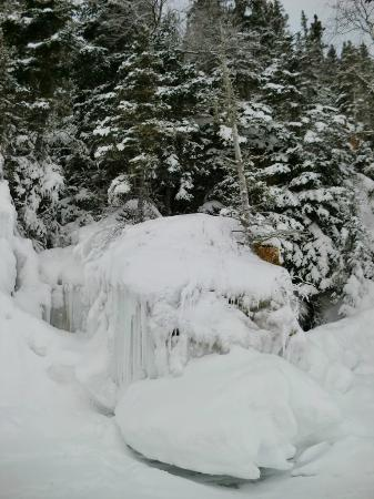 Clearwater Lake Provincial Park: Ice formations, Clearwater Lake