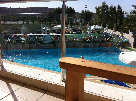 Eken Resort Hotel: The pool view from the upstairs bar!