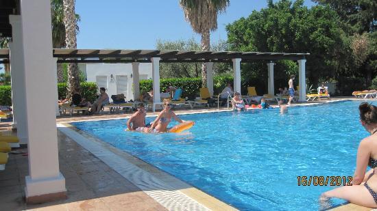 Pefkos Village Resort: Pool area