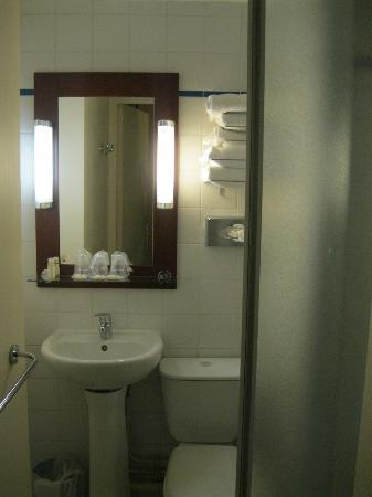 โรงแรมติมอแตลม็องมาร์ท: bagno stanza tripla