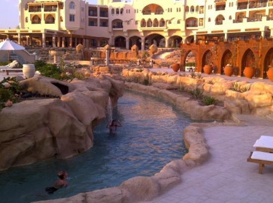 Kempinski Hotel Soma Bay: Main building and lazy river starting point