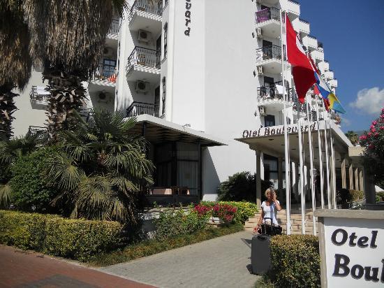 Boulevard Hotel : Ingången till hotellet