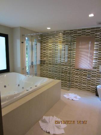 ระรินจินดา เวลล์เนส สปา รีสอร์ท: Bathroom
