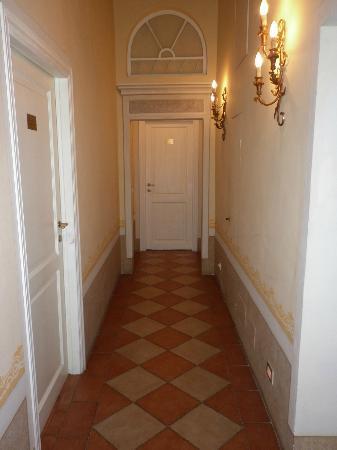 Antica Residenza Cicogna: Hallway