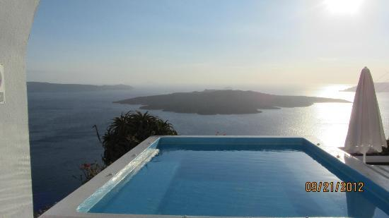 Kastro Suites Santorini: just outside our room
