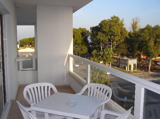 Grupotel Alcudia Suite: le balcon