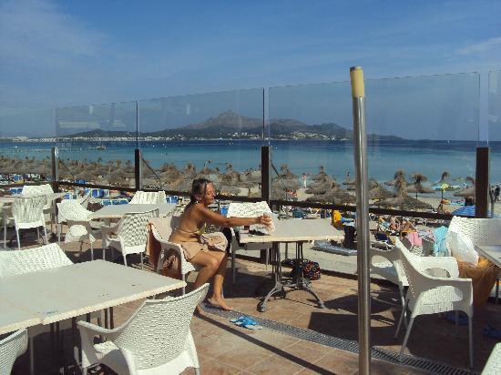 Grupotel Alcudia Suite: Un club hôtel où l'on peut manger face a la plage