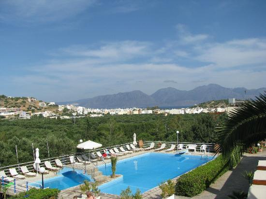 Golden Apartments: Balcony view towards Sitia & Mountains