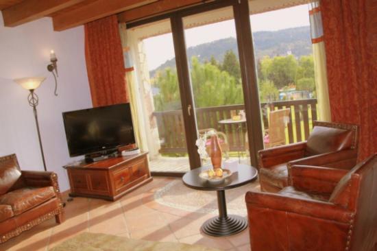Hotel Romantiklandhaus Hazienda: Junior-Suite mit Balkon und wunderschöner Aussicht