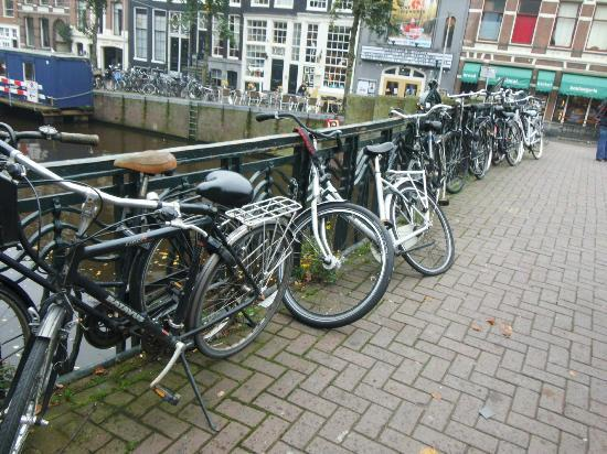 Marnix Hotel: Bicycles every where!