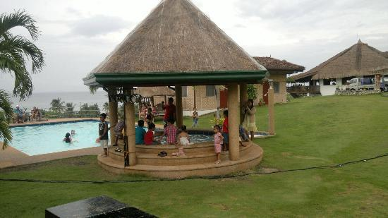 Bodos Bamboo Bar Resort: jacuzzi (at a party)