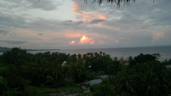 Bodos Bamboo Bar Resort: sunrise from restaurant
