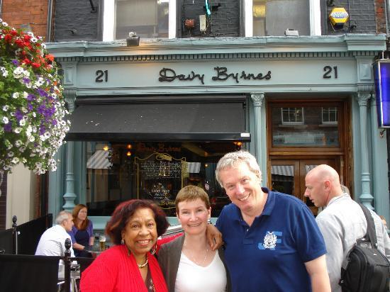 Davy Byrne's: Davy Byrnes , a great Dublin pub.