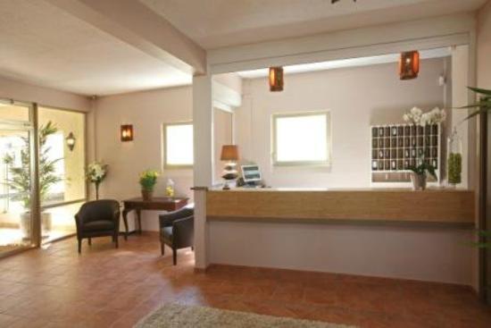 Hotel Le Logis du Chateau : La réception