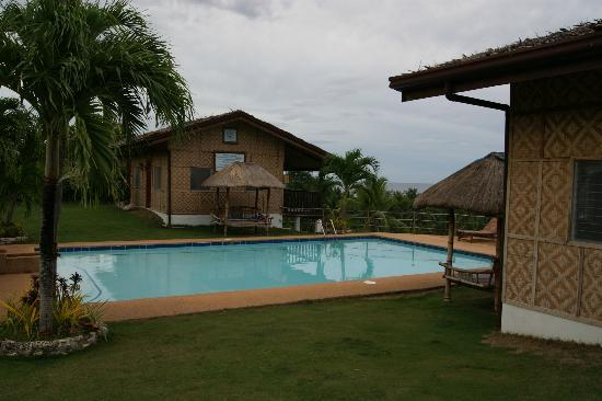 Bodos Bamboo Bar Resort: view to pool