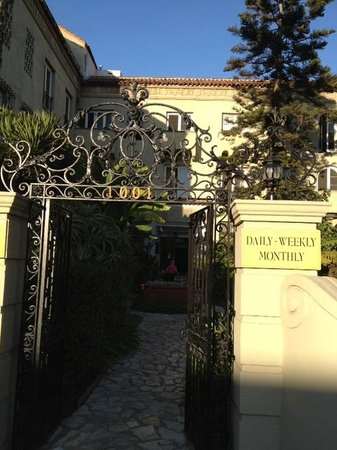 Palihouse Santa Monica: Entry gate