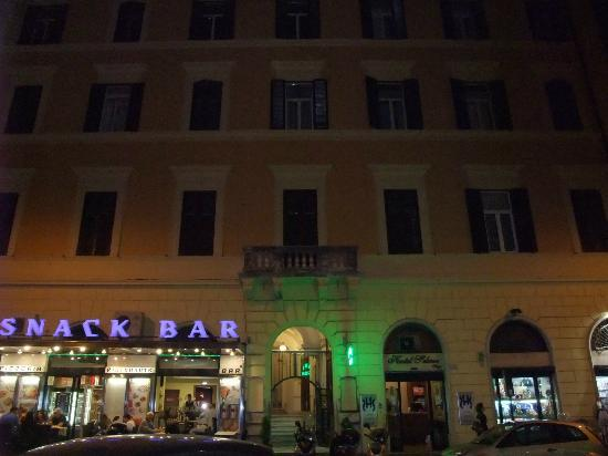 Demetra Hotel: Entrance at night