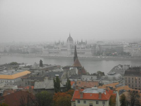 Hilton Budapest: Stunning view over Pest and the Hungarian Parliament