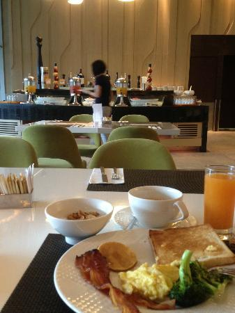 Hotel Novotel Taipei Taoyuan International Airport: Good Breadfast