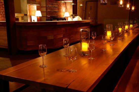 TRU Deli & Wine: Great atmosphere