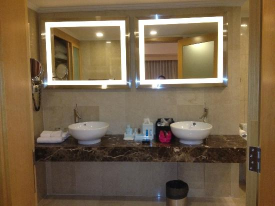 Novotel Singapore Clarke Quay: Bathroom with jazzcui
