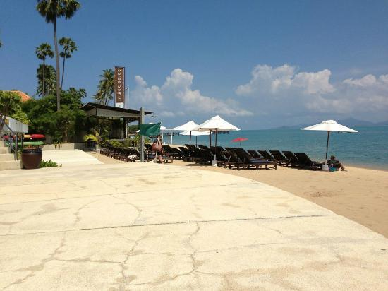 Samui Buri Beach Resort: Strandbereich
