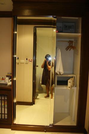 Rayaburi Hotel Patong: rayaburi patong