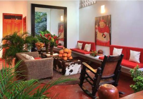 Hotel Casa del Curato: sala botero en els egundo piso